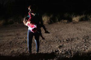 hondurans-border-gty-rc-180619_hpEmbed_3x2_992